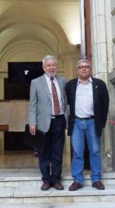 El Dr. Pérez Lindo junto al Dr. Napoli en la UTN Buenos Aires a pocos minutos de finalizada la disertación